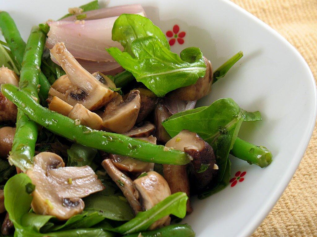 Постные салаты с грибами (шампиньоны)